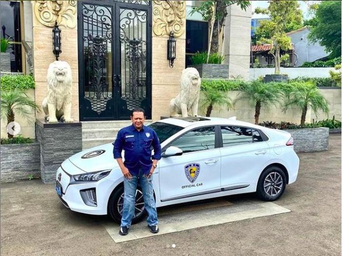 Ikatan Motor Indonesia (IMI) memilih mobil listrik Hyundai IONIQ sebagai official car IMI.