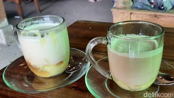 Menu menariknya yaitu campuran kopi dengan durian montong. Harganya Rp 25 ribu. (Sudirman Wamad/detikcom)