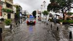 Penampakan Banjir yang Merendam Kota Lama Semarang