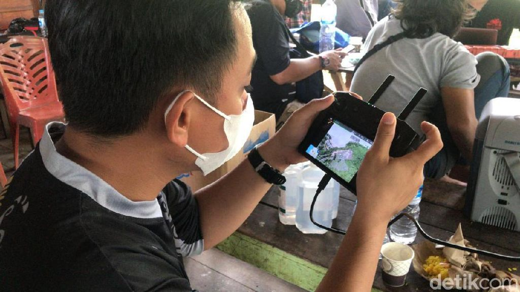 Potret Petugas Buru Harimau Lepas Sinka Zoo, Drone Dikerahkan