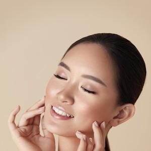 11 Tips Skincare untuk Mencerahkan Kulit, Wajah Kusam Jadi Glowing