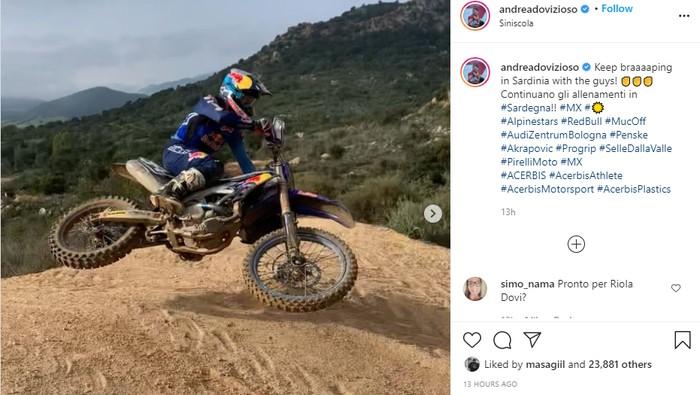 Andrea Dovizioso pamer motor Yamaha