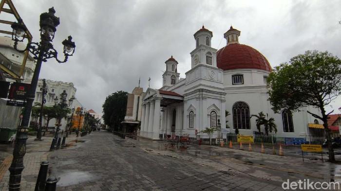 Banjir di Kota Semarang, Jawa Tengah sore ini berangsur surut. Kawasan Kota Lama yang semula tergenang kini sudah kering.