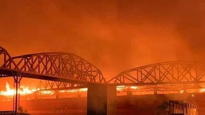 Kebakaran Sirkuit MotoGp Argentina Tarmas de Rio Hondo