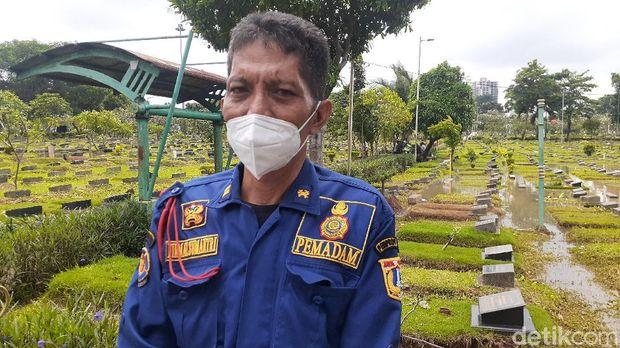 Ketua Regu Pemadam Kebakaran Pos Bendungan Hilir, Tanah Abang, Jakarta Pusat Firman Sumantri
