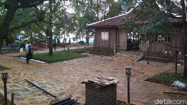 Kopi montong menawarkan destinasi yang cocok untuk traveler pecinta durian. Lokasinya berada di Kecamtaan Dukupuntang, Kabupaten Cirebon. (Sudirman Wamad/detikcom)