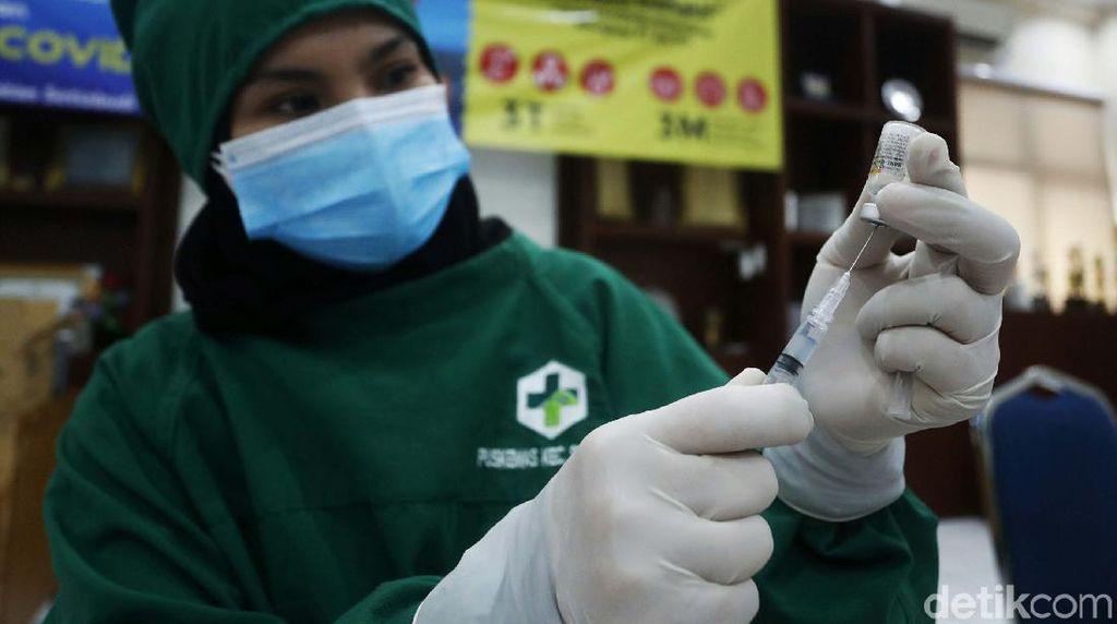 Selebgram Diduga Dapat Vaksin Booster, IDI: Sedih, Nakes Saja Baru 5 Persen