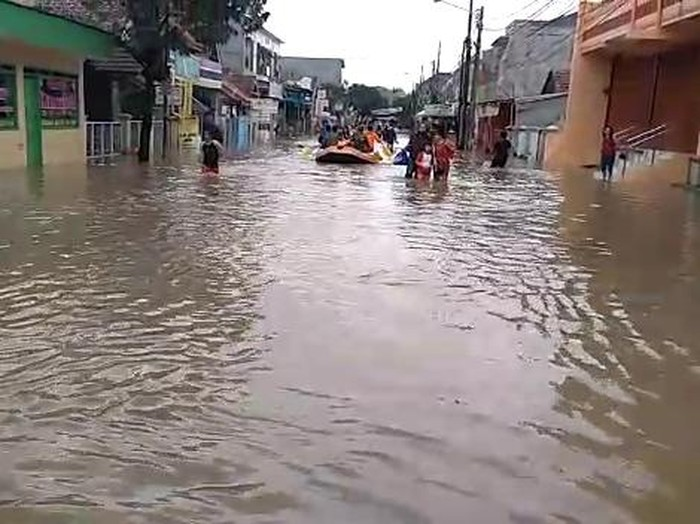 Banjir di Vila Nusa Indah Bogor