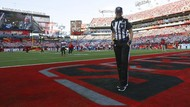 Sosok Sarah Thomas, Wanita Pertama yang Jadi Wasit Pertandingan Super Bowl