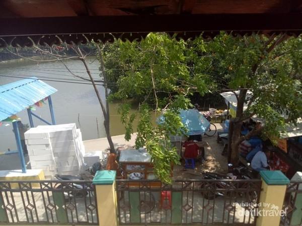 Tambak ikan yang berada di belakang rumah Si Pitung.