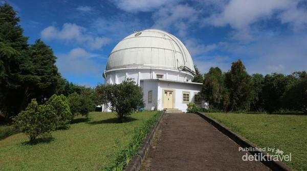 Di Observatorium Bosscha, traveler bisa mengenal berbagai jenis teropong bintang