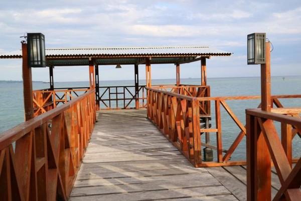 Bagian tengah Pantai Wisata Bakau Kormun