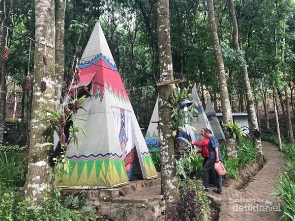 Fasilitas camp atau nginap yang berada di Coban Jahe 3.