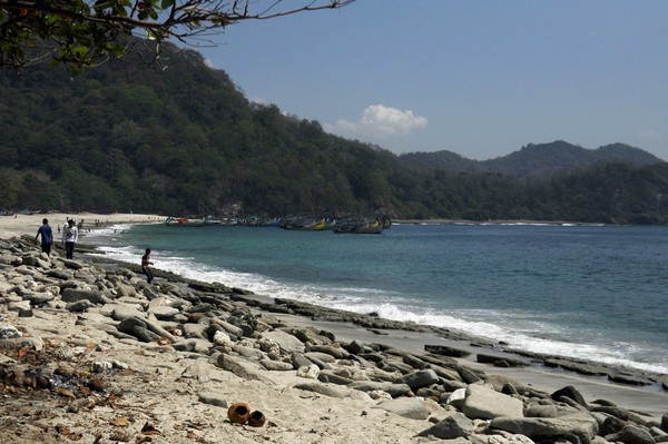 Cantiknya Pantai Papuma