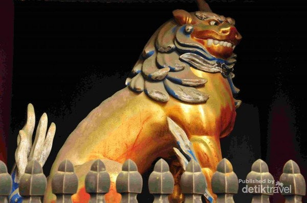Patung Singa di gerbang Toshogu Shrine