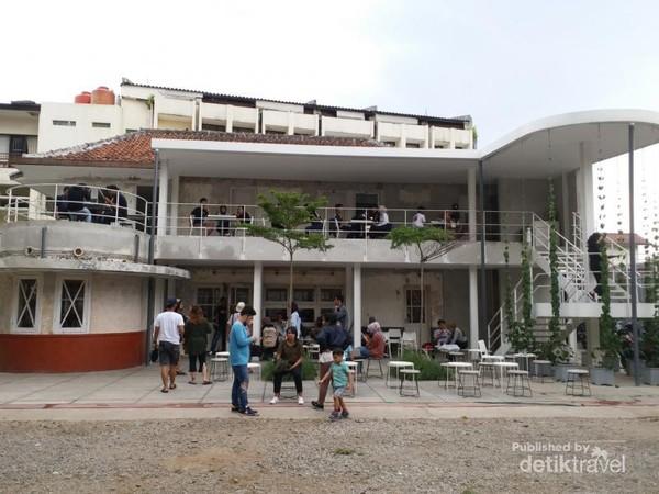 Didago Coffee terletak di Jalan Ir H Juanda No. 21 Bandung