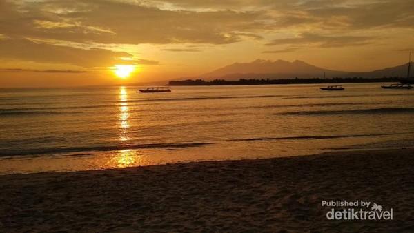 Golden Sunrise pagi hari di Gili Trawangan