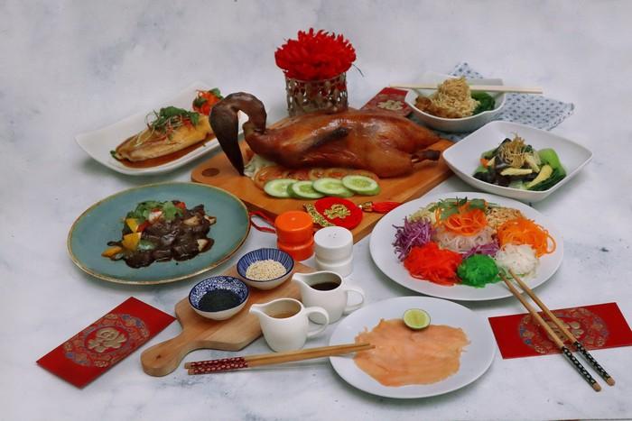 Hidangan Imlek di HARRIS Suites Puri Mansion