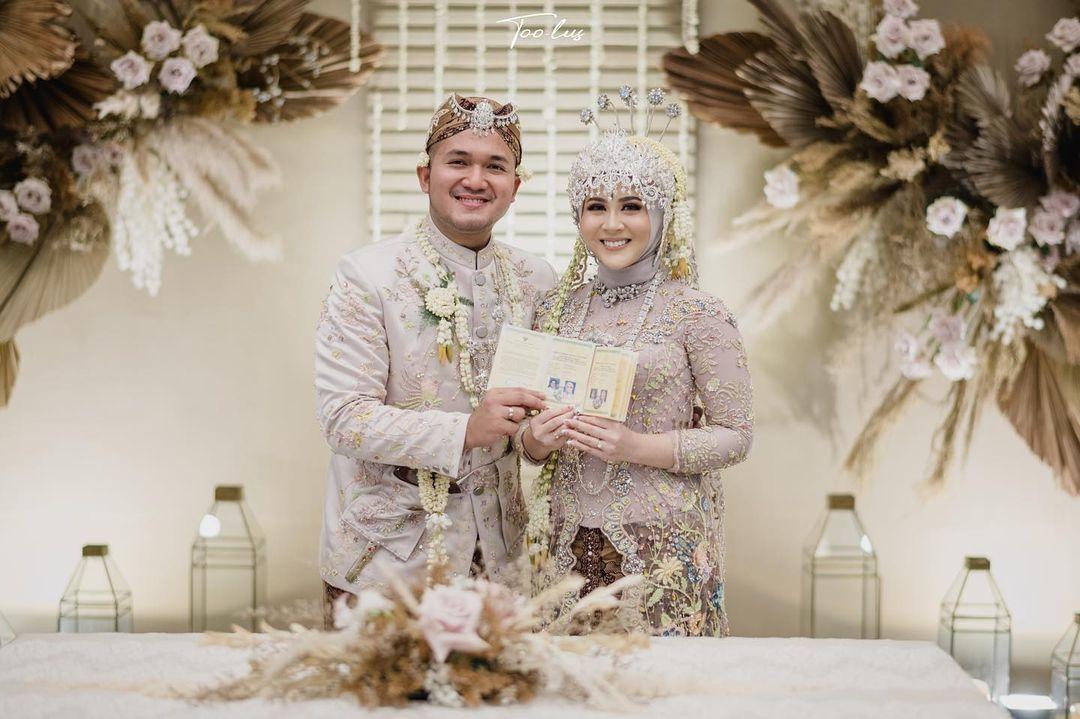 Kesha Ratuliu Menikah