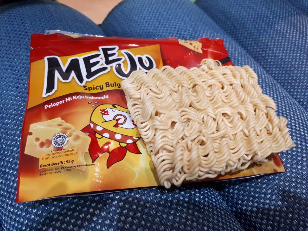 Lezar! Mie Instan Keju Pertama di Indonesia yang Creamy Mulur