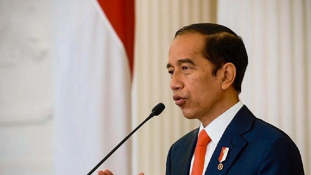 Laporan Gratifikasi Jokowi: Dulu Gitar Metallica Kini Oleh-oleh Raja Saudi