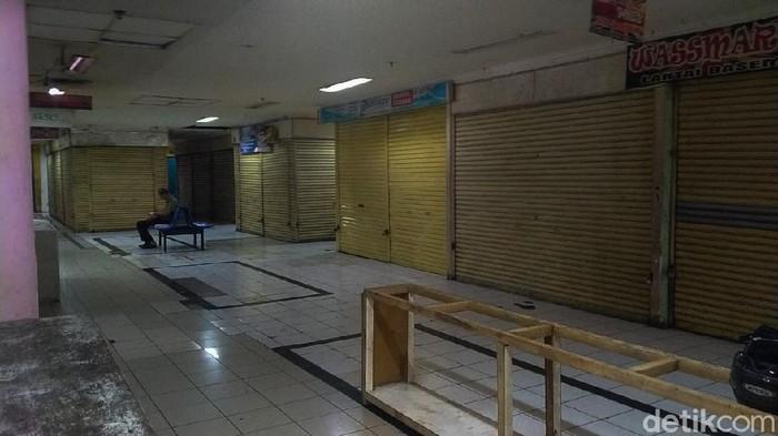 Ribuan kios di Pasar Baru Bandung gulung tikar akibat Corona