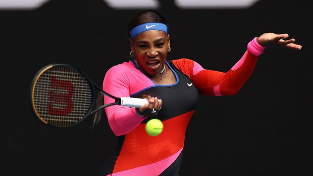 MELBOURNE, AUSTRALIA - FEBRUARY 08: Serena Williams of The United States of America plays a forehand in her Women's Singles first round match against Laura Siegemund of Germany during day one of the 2021 Australian Open at Melbourne Park on February 08, 2021 in Melbourne, Australia. (Photo by Cameron Spencer/Getty Images)