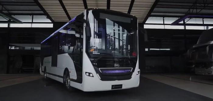Bus listrik Laksana