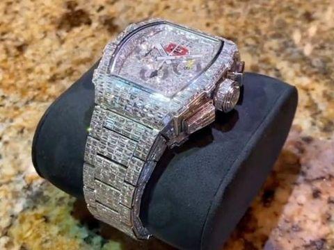 Jam tangan mewah seharga Rp 250 miliar milik Floyd Mayweather Jr.
