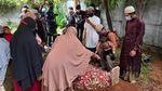 Foto Populer Pekan Ini: Banjir Pulau Jawa-Imlek di Masa Pandemi