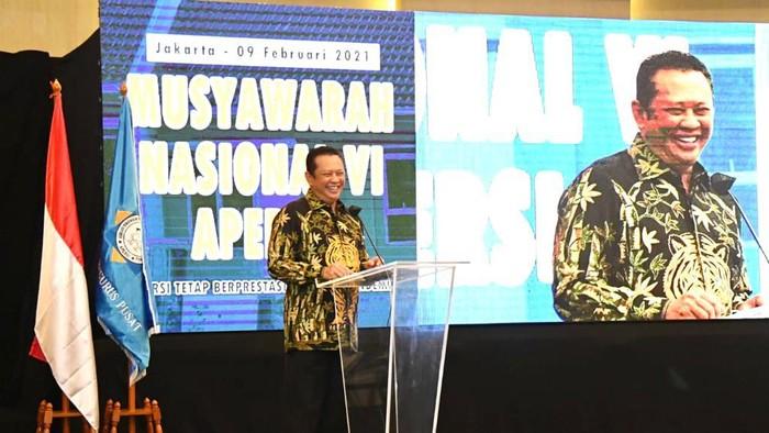 Ketua MPR RI Bambang Soesatyo mengapresiasi langkah Presiden Joko Widodo yang menempatkan wartawan pada klaster prioritas penerima vaksinasi COVID-19.