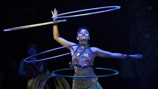 Pada bulan-bulan biasa, Sujit menghabiskan lebih dari ₹ 20 lakh untuk menjaga sirkus tetap berjalan.