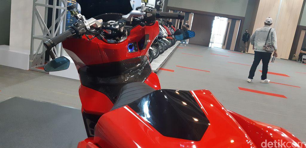 Modifikasi PCX 160 R Autoworks