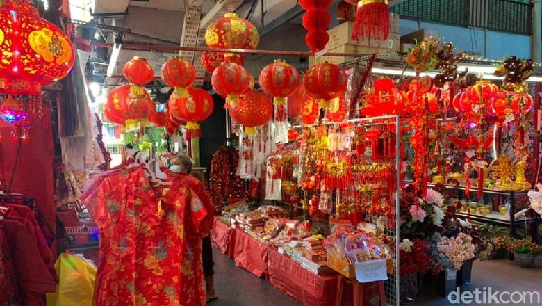 Omzet Pedagang Pernak-pernik Pasar Atom Merosot Tajam
