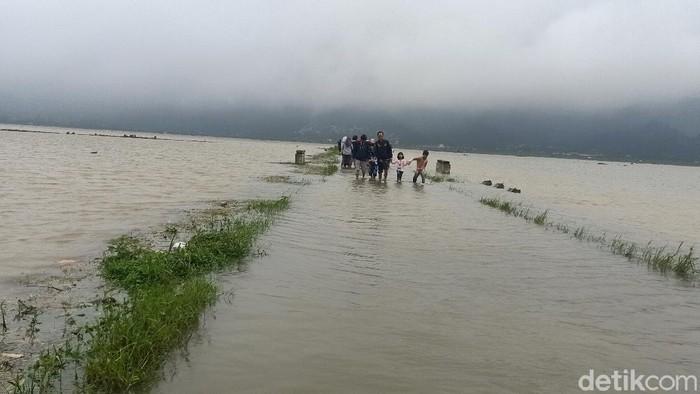 Penampakan banjir di Kecamatan Kalibening, Banjarnegara