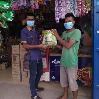 Perusahaan es krim di Indonesia, Aice ikut berkontribusi menekan angka penyebaran COVID-19 dengan menggerakkan para pemilik toko dan warung menjadi relawan COVID-19.