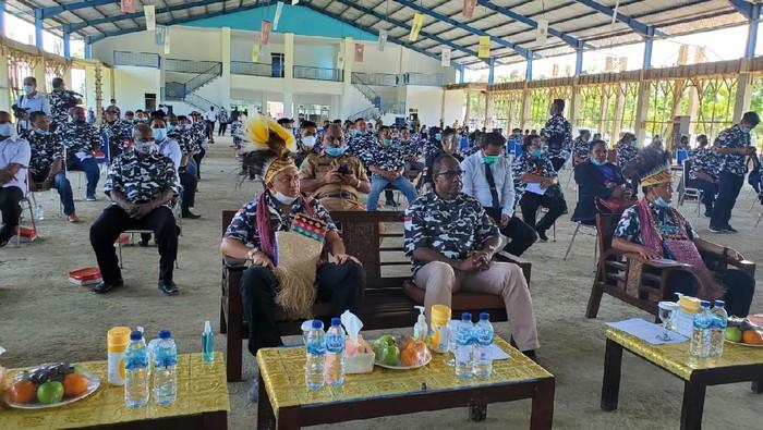 Dewan Pimpinan Daerah (DPD) Barisan Pemuda Nusantara (Bapera) Provinsi Papua Barat melakukan prosesi pelantikan, di Alun Alun Aimas Kab Sorong Provinsi Papua Barat.