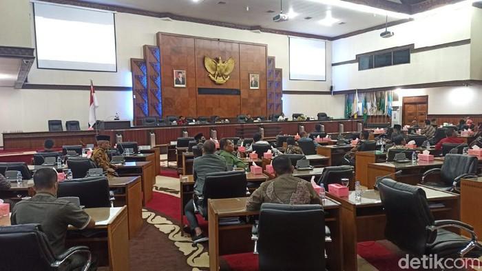 Rapat di Gedung DPR Aceh (Agus Setyadi/detikcom).