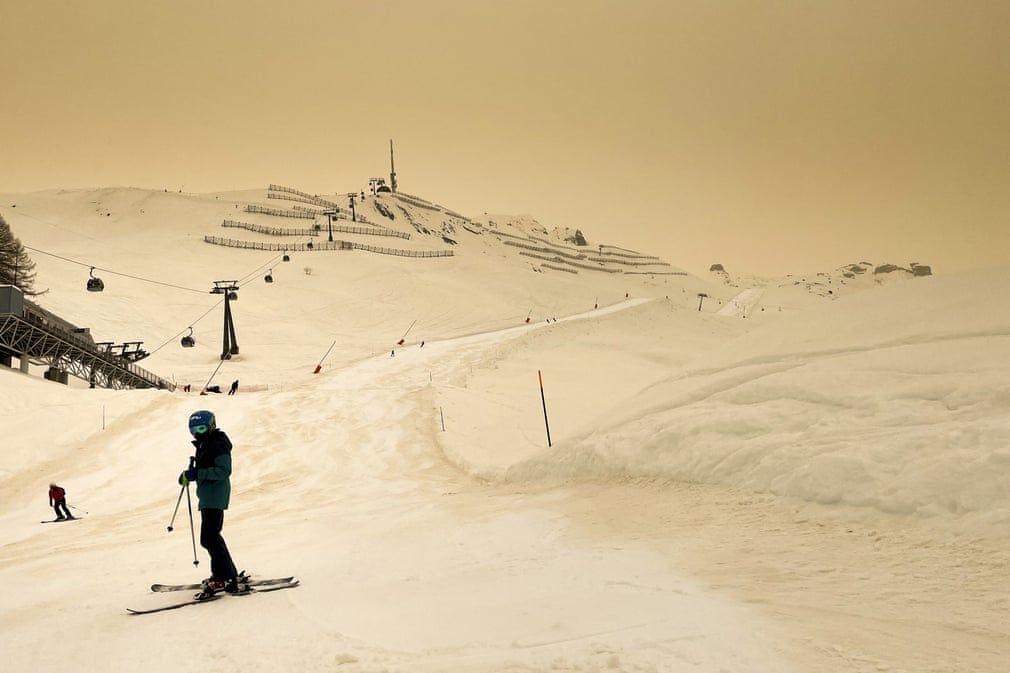 Sahara dust di langit Eropa