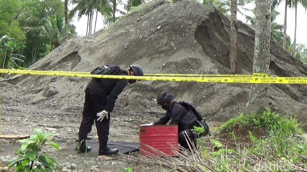 Pemancing di Sungai Serayu Banjarnegara Temukan Granat Nanas Aktif