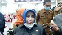 Viral Walkot Tanjungpinang Rahma Duduk Berduaan Bareng Pria di Kasur Hotel