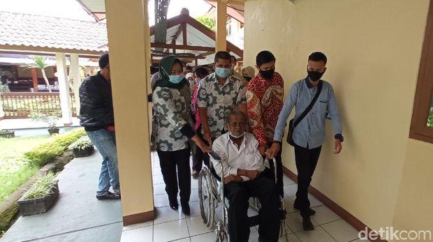 Anak Gugat Ayah Kandung di Bandung
