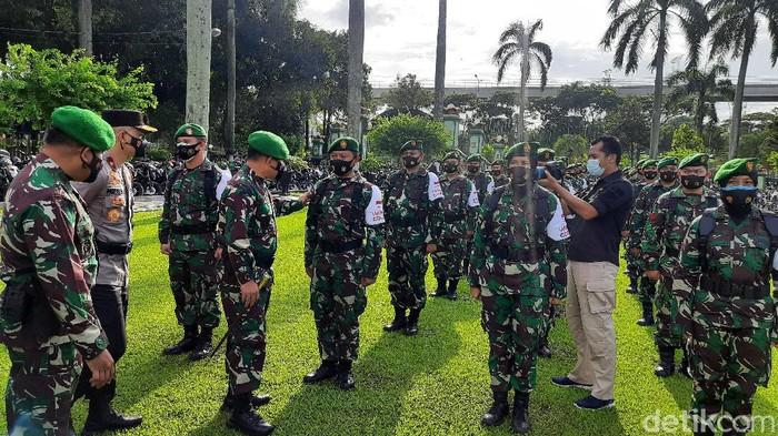 Apel persiapan vaksinator TNI (Fathan/detikcom)