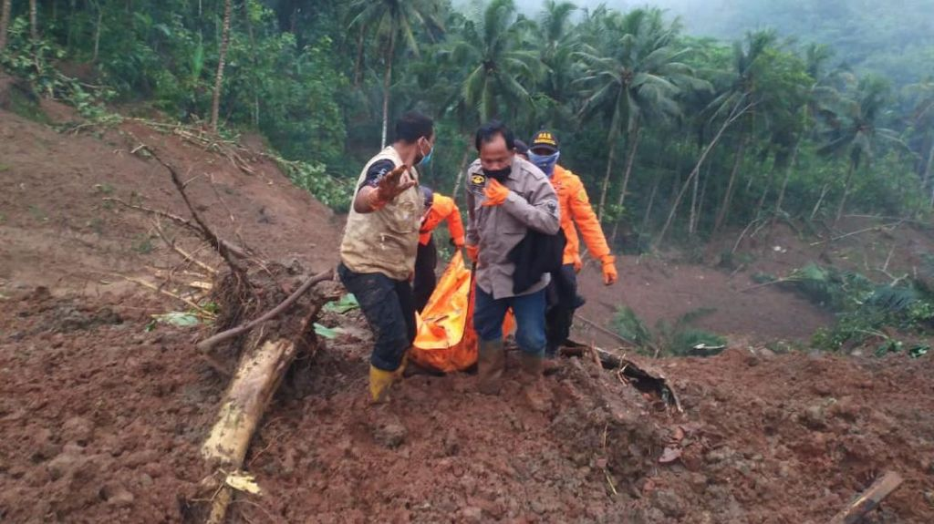 1 dari 3 Korban Tertimbun Tanah Longsor di Kebumen Ditemukan Meninggal