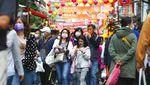 Jelang Imlek, Warga Serbu Pasar di Taipei