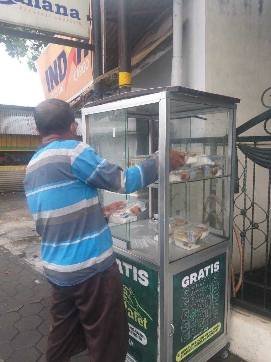 Lewat 'Nasi Estafet' Berbagi Saat Pandemi Makin Gampang
