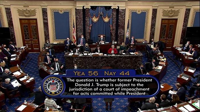 Momen saat Senat AS memvoting sidang pemakzulan Trump konstitusional