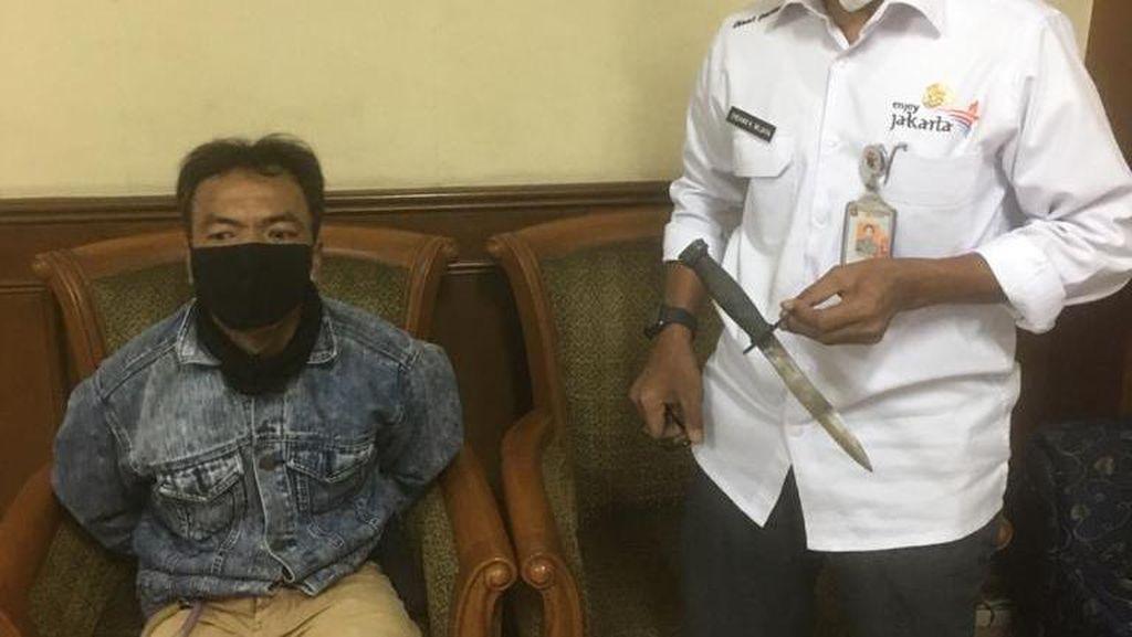 Penusuk Plt Kepala Dinas Parekraf DKI Ditangkap, Senjata Tajam Disita