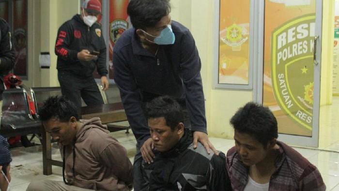 Polisi tangkap 3 anggota LSM gegara peras kepsek di Bengkulu (dok. Istimewa)