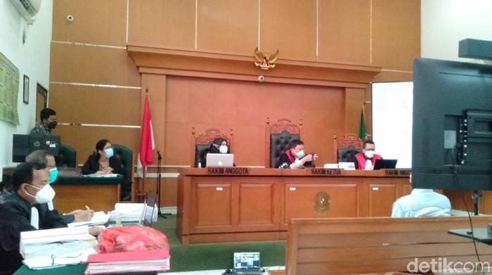Sidang lanjutan kasus penyebaran berita bohong Syahganda Nainggolan di Pengadilan Negeri Depok, Jawa Barat (Ibnu/detikcom)